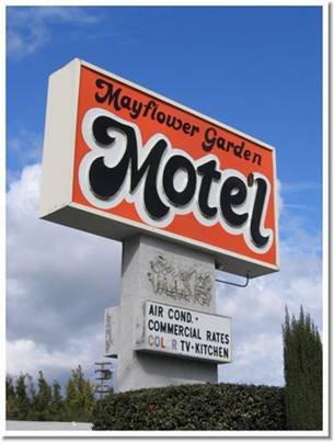Razor Gator Your Way Through The Recession - Motel